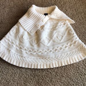 BabyGap Girls cable knit Poncho sweater M/L